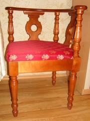 продам стол и 2 кресла