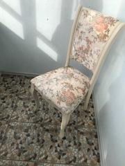 Продаю новые стулья деревянные с мягкой обивкой